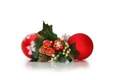 De snuisterijen van Kerstmis over wit met het knippen van weg Stock Fotografie