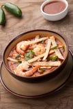 De Soep van de garnalentortilla Stock Fotografie