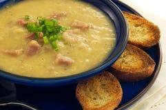 De soep van de ham en van de Linze stock afbeeldingen