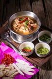De soep van de kip en van het kruid in pot Royalty-vrije Stock Afbeelding