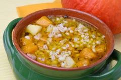 De soep van de pompoen met gerst Stock Afbeelding