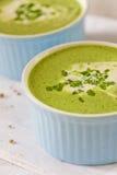 De soep van de roomspinazie Stock Foto's