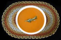 De Soep van het Basilicum van de tomaat Stock Afbeeldingen