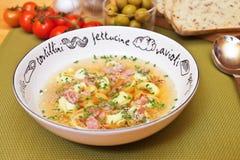 De soep van Tortellini Stock Fotografie