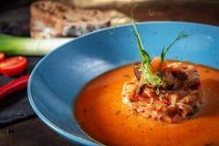 De soep van zeevruchtenvissen stock afbeelding