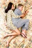 De sova paren Arkivbild