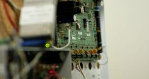 De spaanders van veiligheids sistem micto stock footage