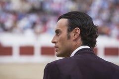 De Spaanse Stierenvechter van stierenvechterfinito DE Cordoba in het Stieregevecht Stock Foto's