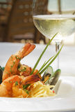 De spaghetti van garnalen en van de oester stock fotografie