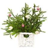 De spar van Kerstmis met geïsoleerde decoratie royalty-vrije stock afbeeldingen