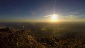 De spectaculaire scène van de tijdtijdspanne van de zonsondergang stock videobeelden