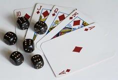 De speelkaarten en dobbelen Royalty-vrije Stock Foto