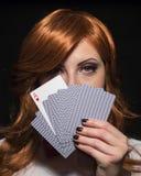 De speelkaarten van het meisje Royalty-vrije Stock Afbeeldingen