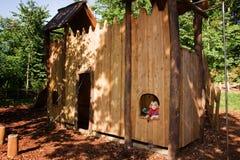 De speelplaats van het het klimrekkasteel van het kind Stock Foto