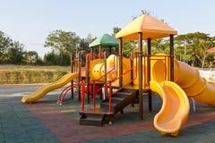 De speelplaats van kinderen in park Royalty-vrije Stock Foto