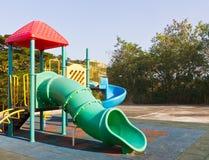 De speelplaats van kinderen in park Royalty-vrije Stock Afbeelding