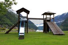 De speelplaats van natiekinderen op park Stock Fotografie