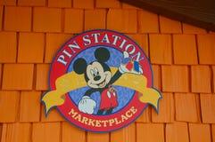 De speldpost is Disney Van de binnenstad Stock Afbeeldingen