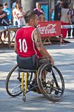 De speler van het basketbal in rolstoel Stock Afbeelding