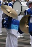 De speler van klankbekkens in het marcheren band Royalty-vrije Stock Foto's