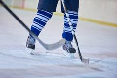 De spelers van de ijshockeysport royalty-vrije stock afbeelding