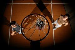 De spelers van het basketbal Stock Foto's