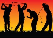 De spelers van het Golf van het silhouet met zonsondergang Stock Foto