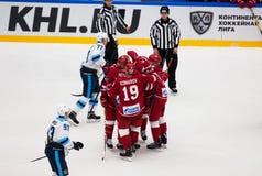 De spelers van Vityaz-team verheugen zich van een score royalty-vrije stock fotografie