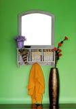 De spiegel van de muur Stock Afbeeldingen
