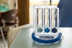 De Spirometer van de drie ballenaansporing voor diep ademhaling royalty-vrije stock foto