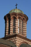 De spits van de kerk in Boekarest Stock Fotografie