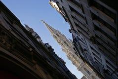 De spits van het stadhuis over de Grote Plaats van Brussel Royalty-vrije Stock Afbeeldingen