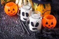 De spook-als dranken van Halloween voor partij stock foto's