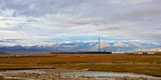 De spoorweg van Qingzang stock fotografie
