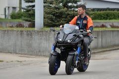 De Sport die van Yamaha Niken Multi†reizen 'Wielmotorfiets stock foto's