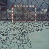 De sport van het voetbalvoetbal in de straat stock afbeeldingen
