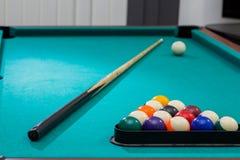 De sporten spelen, recreatie, hobby, tactiek, biljartlijst met tri stock afbeelding