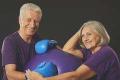 de sportenbejaarden koppelen Stock Afbeelding