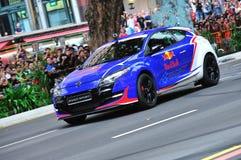 De sportenbroedsel dat van Renault Megane stunts uitvoert Stock Fotografie
