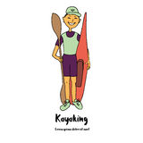 De sportman kayaker is een kajak en een peddel in zijn hand Stock Fotografie