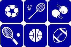 De sportpictogrammen van de zomer die op blauwe achtergrond worden geplaatst Stock Afbeeldingen