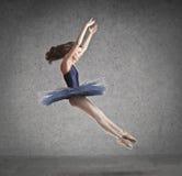 De Sprong van de ballerina Stock Afbeeldingen