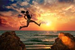 De sprong van de vrouw Royalty-vrije Stock Foto