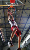 De sprong van het basketbal Stock Afbeeldingen
