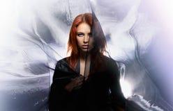 De spruit van de manier van een aura redhead vrouw royalty-vrije stock fotografie