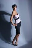 De spruit van de manier van een jonge donkerbruine vrouw Stock Foto's
