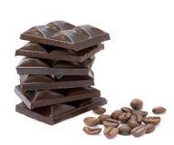 De staaf van Chokolate met koffiebonen Stock Foto