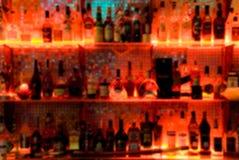 De staaf van dranken met onduidelijk beeld Royalty-vrije Stock Afbeeldingen