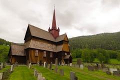 De staafkerk in Ringebu, rond jaar 1220 wordt gebouwd, is één dat Stock Foto's