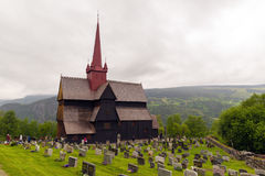 De staafkerk in Ringebu, rond jaar 1220 wordt gebouwd, is één dat Royalty-vrije Stock Afbeeldingen